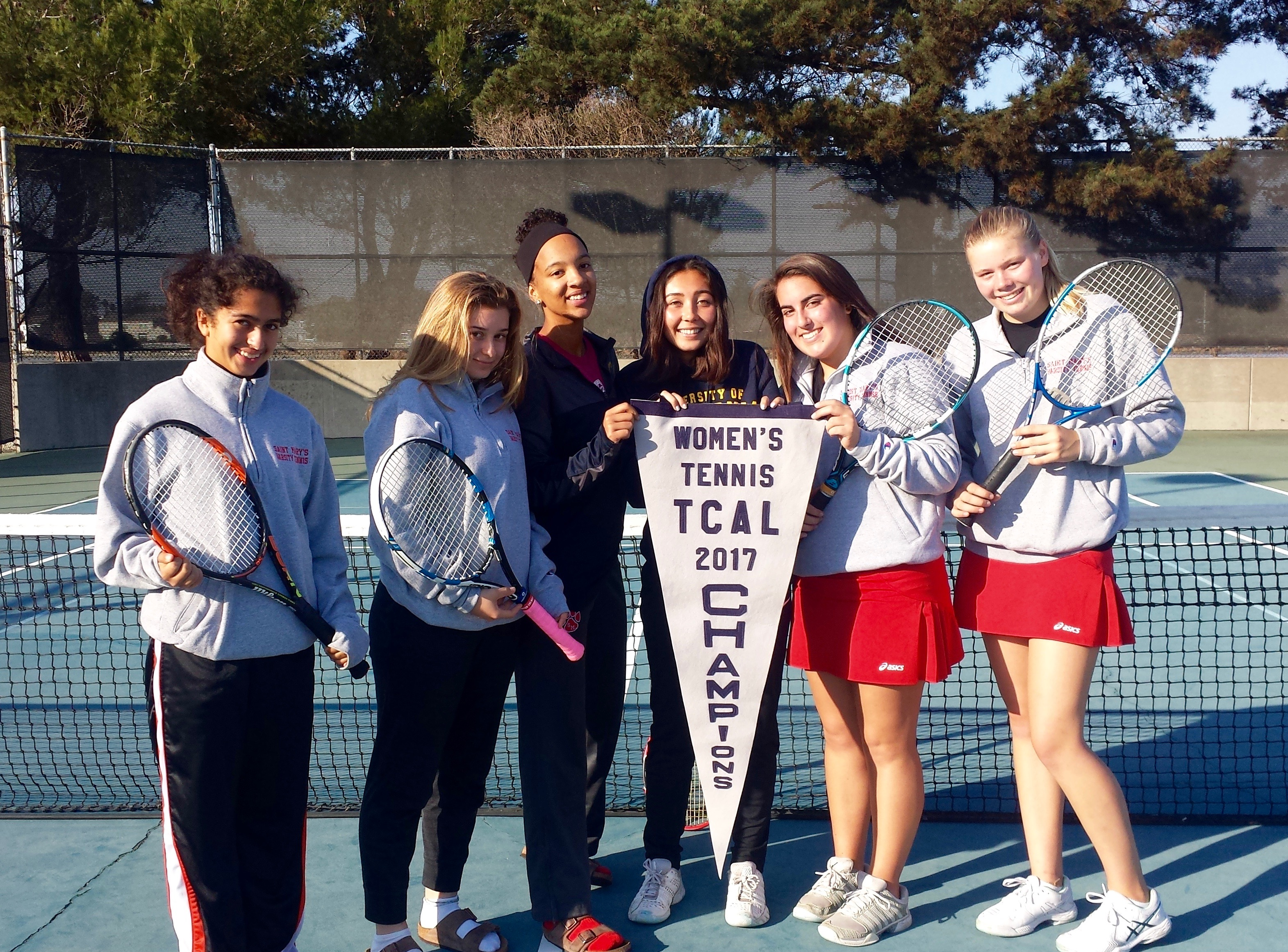 Girl's Tennis Team Photo