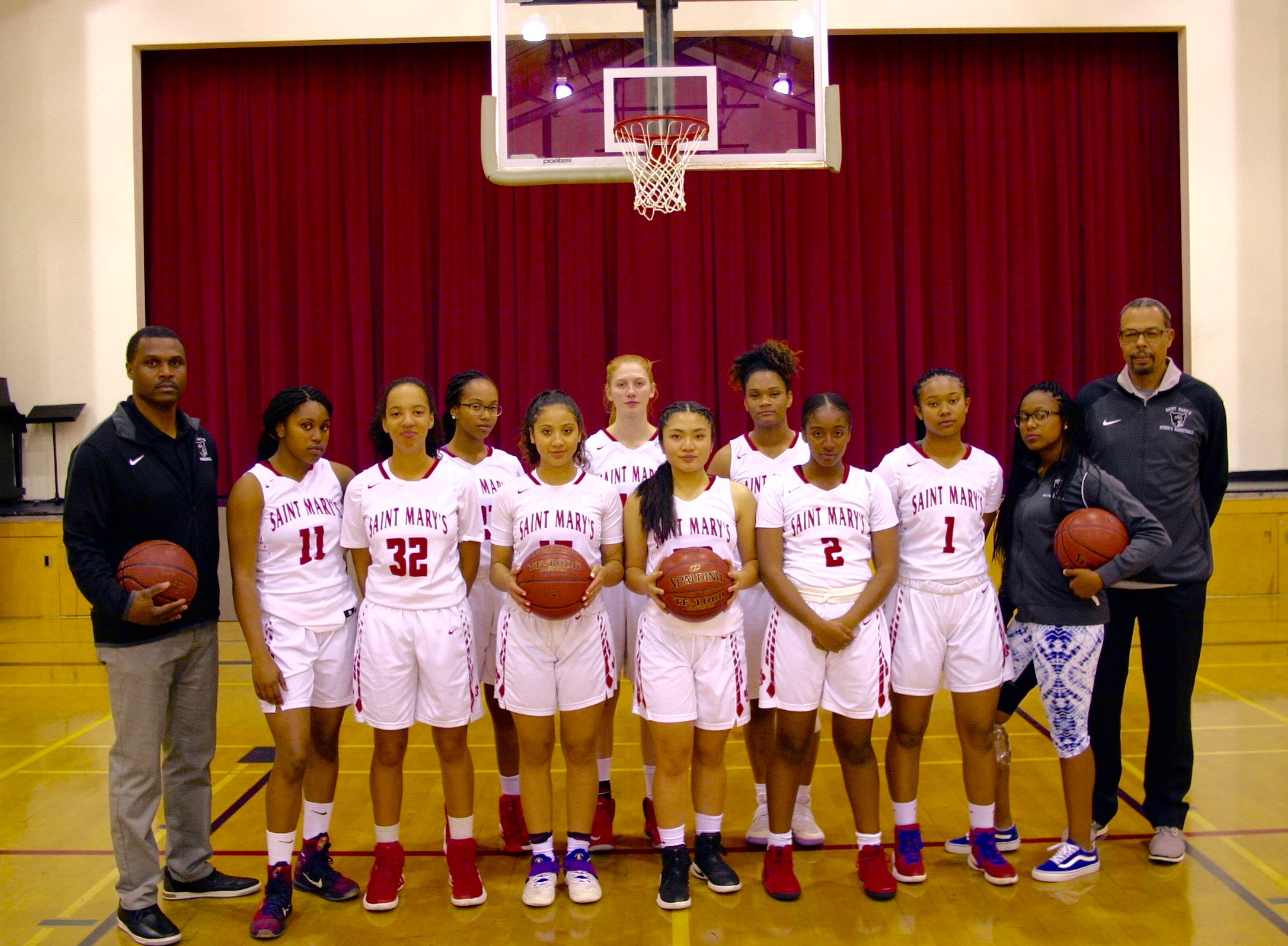 Girl's Basktball Team Photo